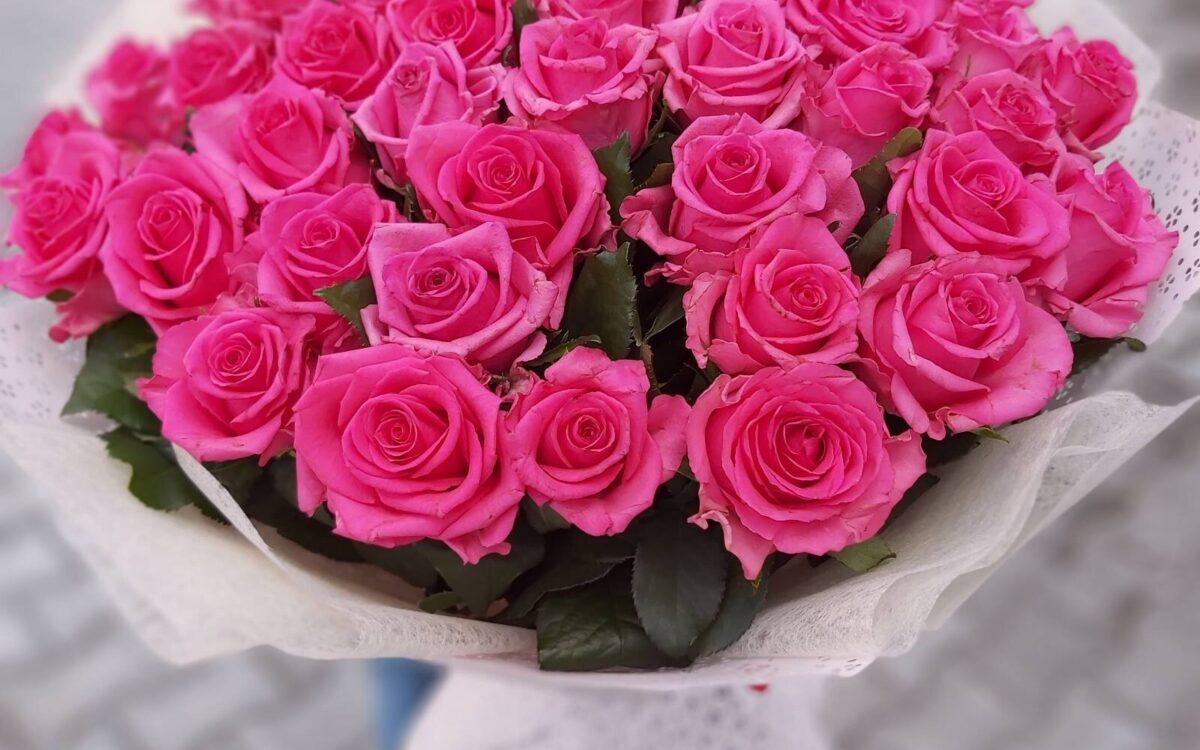 Які квіти подарувати дівчині на 18 років?